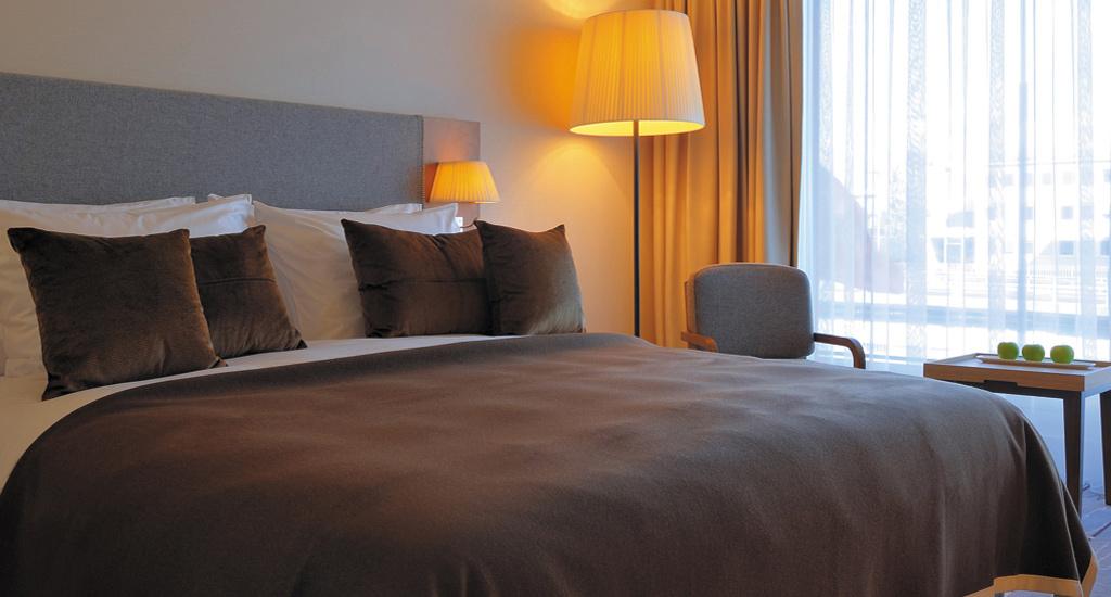 hotel parken am flughafen z rich zu tollen konditionen. Black Bedroom Furniture Sets. Home Design Ideas