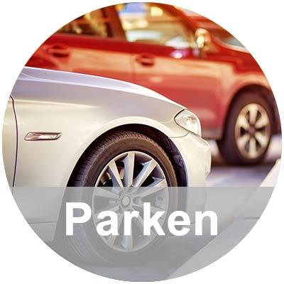 Zwei parkende Autos